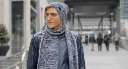 Gli accessori invernali: berretto di lana, guanti, sciarpa