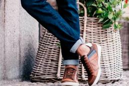 quali modelli di scarpe abbinare ai jeans